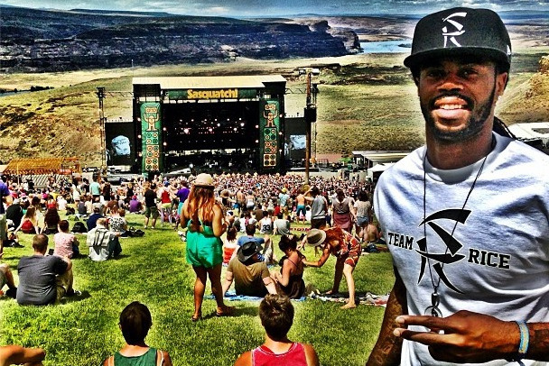 Sidney Rice Actually Wore A Sidney Rice Hat & Shirt To Sasquatch Festival