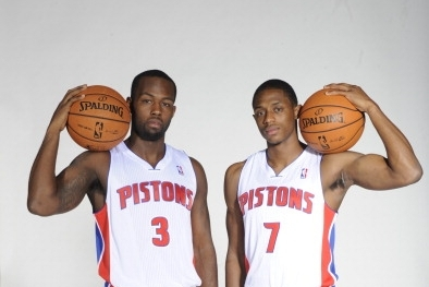 Detroit Pistons: Why Team Can't Handle Brandon Knight Like Rodney Stuckey