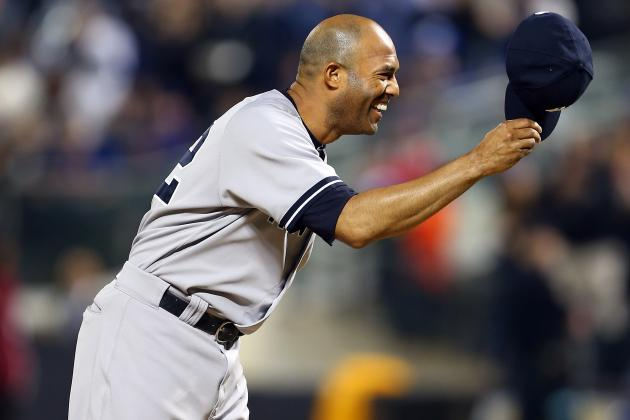 Mariano Rivera Starts and Ends Yankees-Mets Game on the Mound