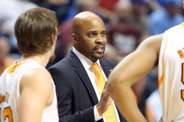Dave Hart Pleased with Progress of Men's Basketball
