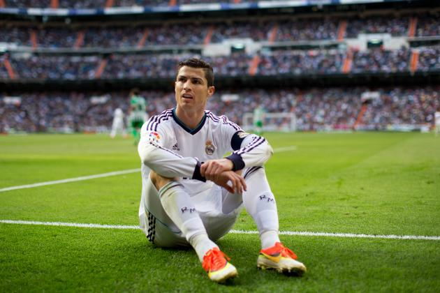 Cristiano Ronaldo Would Be Wise to Sign New Contract with Real Madrid