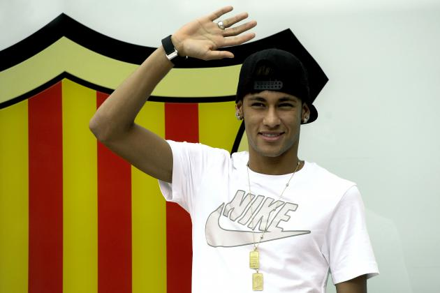 Neymar Greets Fans at Barcelona During Arrival