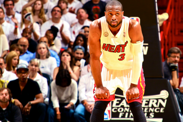 Dwyane Wade on Knee Injury: It's My Job to Play Through It
