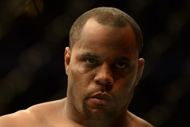 Daniel Cormier Calls out Roy Nelson: 'I Want to Kick His Ass for Dana White'