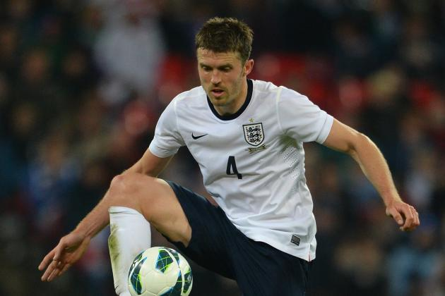 Tactical Twins: Manchester United's Michael Carrick and Villa's Ashley Westwood