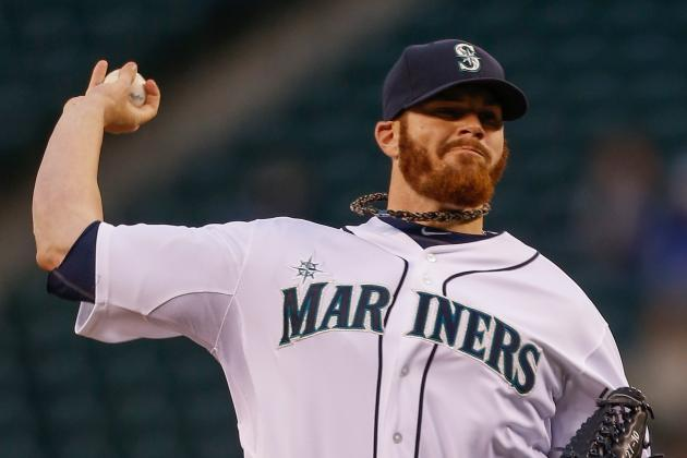 Mariners option Noesi, recall righty Beavan