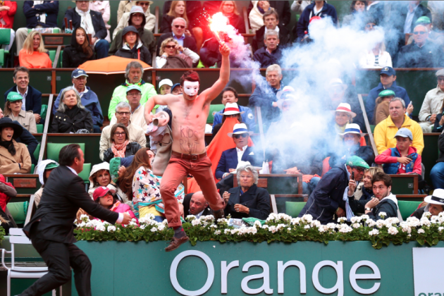 Nadal vs. Ferrer Interrupted by Flare-Wielding Man at 2013 French Open