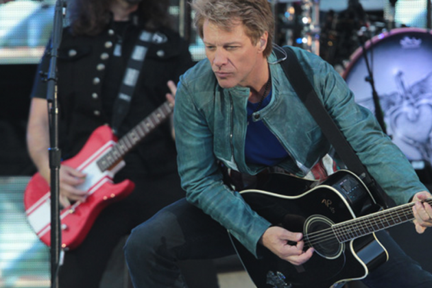 Photos: Jon Bon Jovi Supporting Notre Dame with Fighting Irish Logo