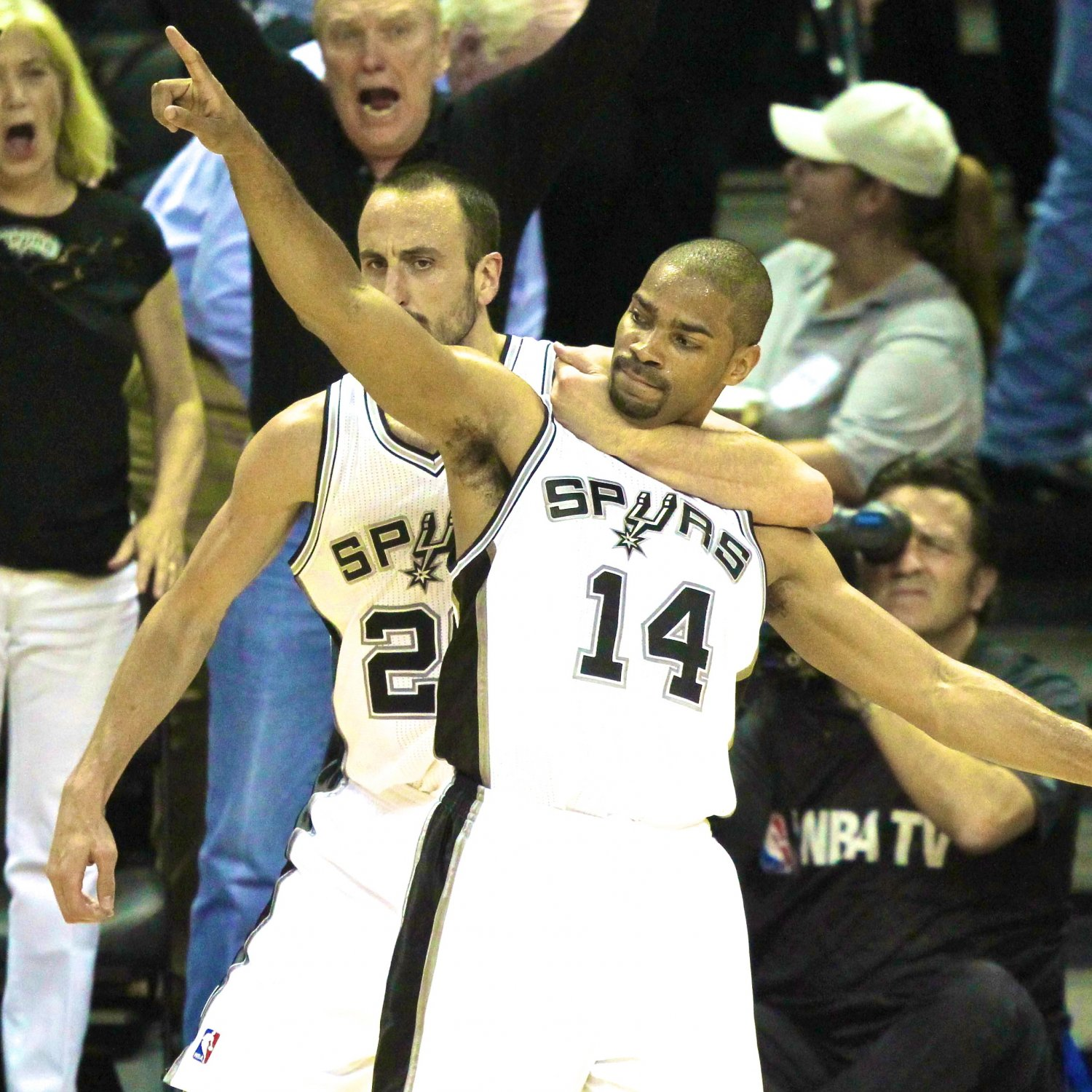 Gary Neal, Danny Green Take Pop's Advice, Light Up Twitter