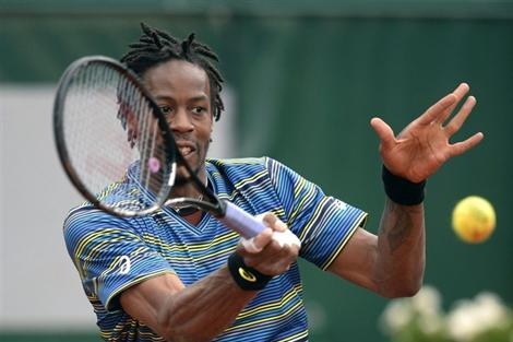 Monfils Beats 5th Seed Raonic in Germany