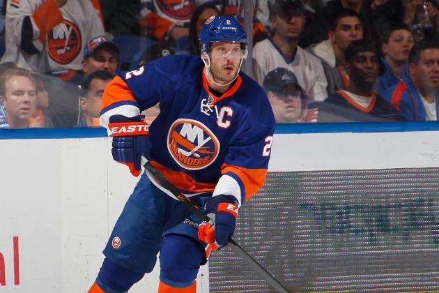 Flyers Acquire Rights to Isles' Mark Streit