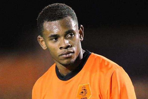 Villa to Complete Signing of Leandro Bacuna