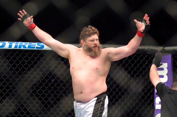 Roy Nelson on Why Dana White Does Not Like Him: 'He's Star-Struck'