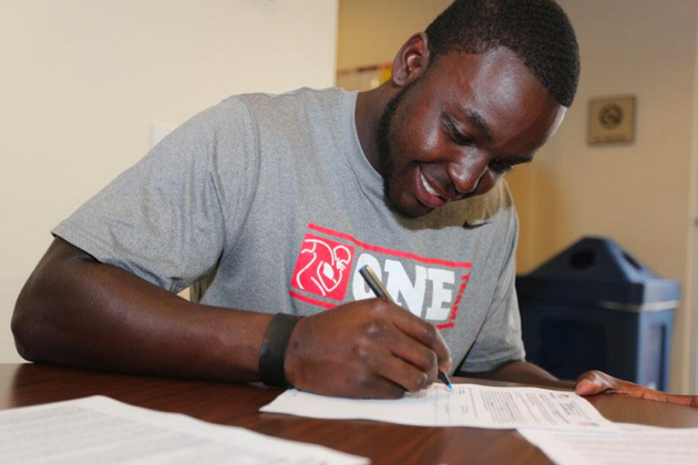 Montee Ball Signs Rookie Deal with Broncos