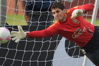 Inter Milan and Roma Linked with Santos Goalkeeper Rafael