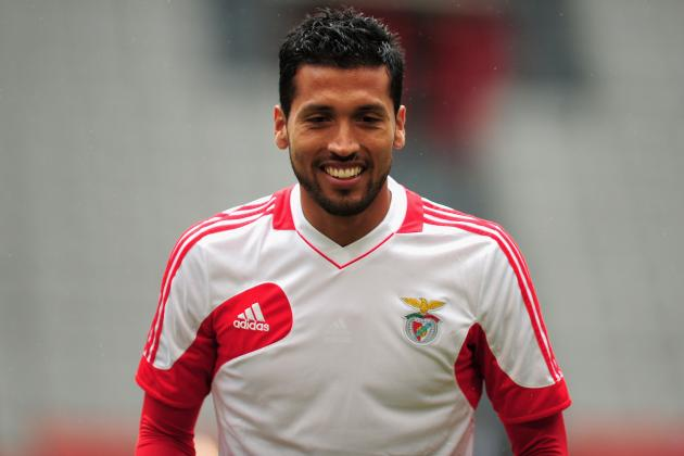 Manchester United Transfer Rumours: Ezequiel Garay Would Be Excellent Addition