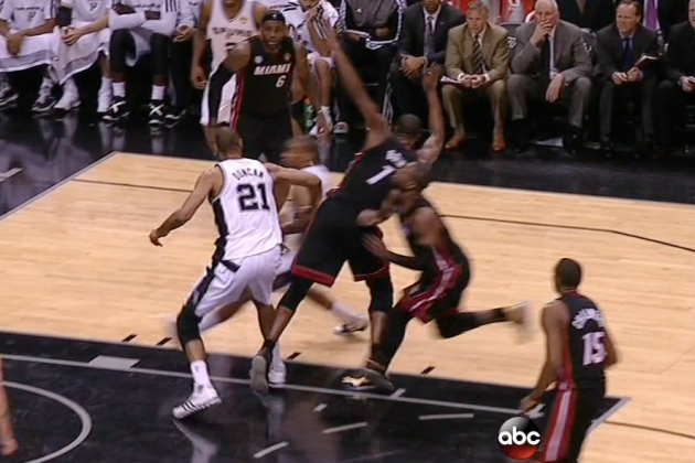 Chris Bosh Flops Against Tim Duncan During Game 4