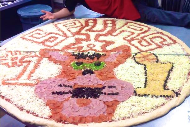 Spurs Fan's Massive Pizza