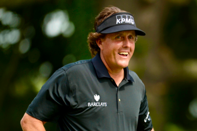 Phil Mickelson Takes the Lead With an Eagle On the 10th