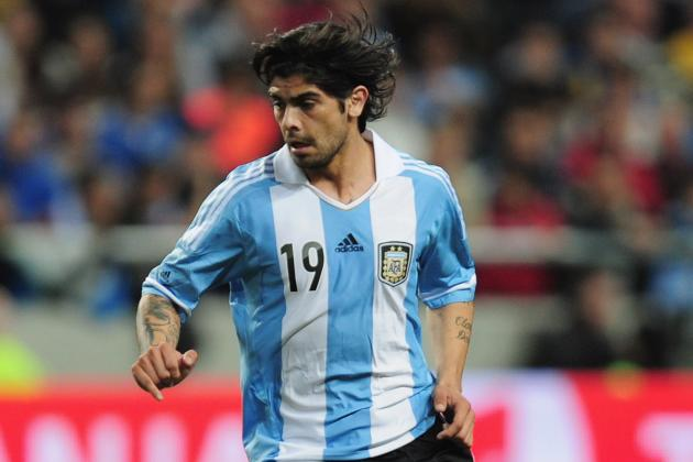 Southampton Place Banega Bid and Eye Move for Celtic Frontman Hooper