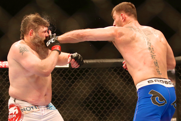 Roy Nelson Sets UFC Record of Significant Strikes Absorbed Without KO