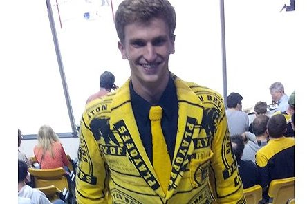 Boston Bruins Fan's Rally Towel Suit Will Blow Your Mind (Photo)