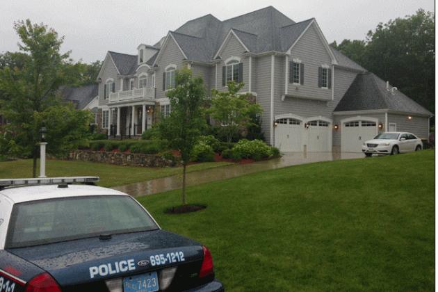 Patriots' Aaron Hernandez Questioned by Police in Homicide Probe