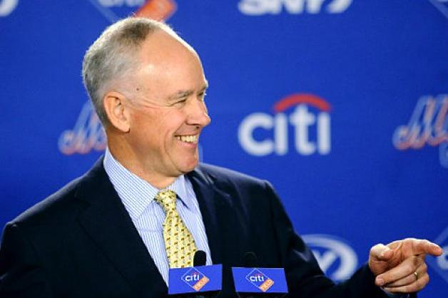 New York Mets GM Sandy Alderson Fires Back at Costas and Cougars on Twitter