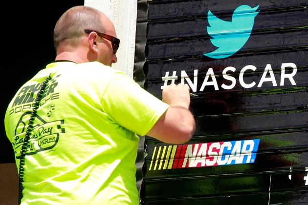 Social Media a Boon to F1, NASCAR — but IndyCar Lags