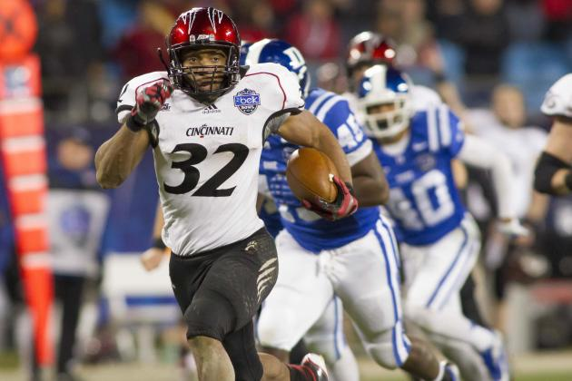 Bearcats' RB Winn Signed by Patriots