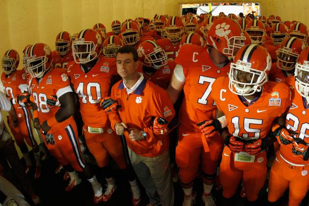 Do College Football Teams Really 'Take on the Identity' of the Head Coach?
