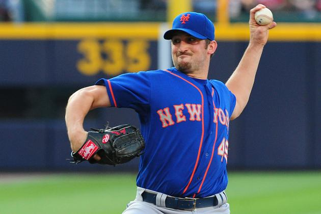 Niese Leaves Game with Apparent Shoulder Injury