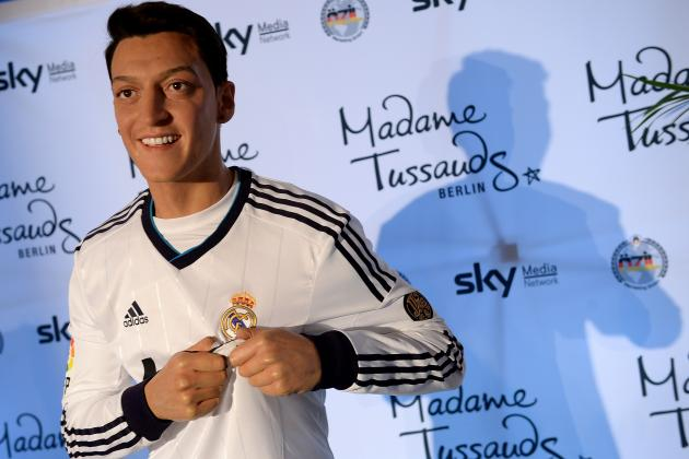 Ozil: 'I Want to Stay at Real for Many Years'