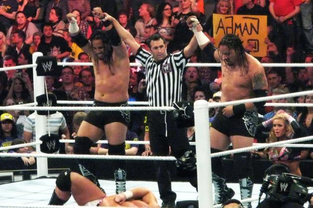 Are the Usos Finally Catching on with WWE Fans?