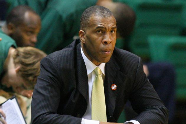 TSU Signs Basketball Coach Mike Davis to Two-Year Extension