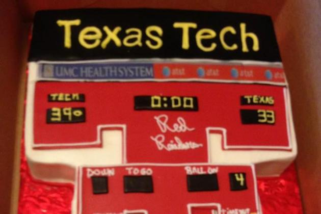 Texas Tech Football: Scoreboard Groom's Cake (PHOTO)
