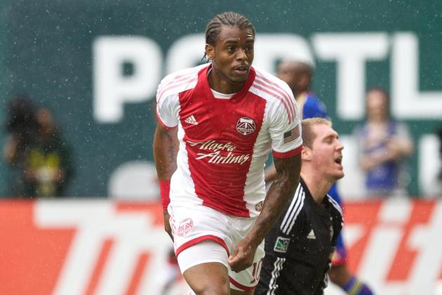 GOAL: Piquionne Heads in His First MLS Goal