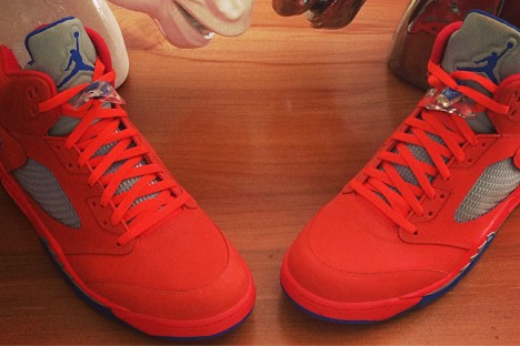 Carmelo Anthony Shares First Look of Hot Orange Air Jordan 'Melo' on Instagram