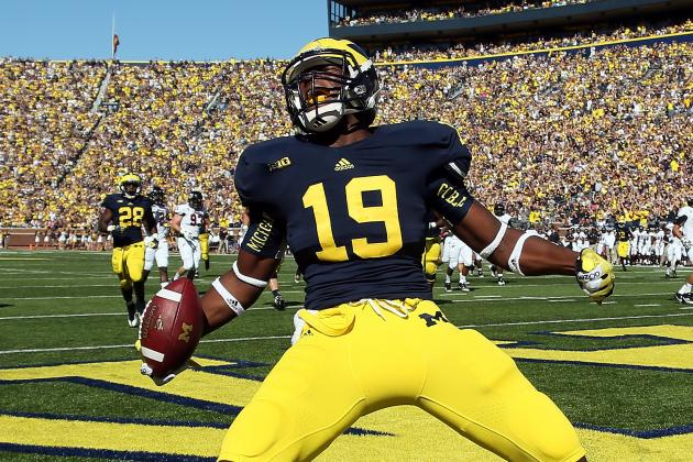 Ranking College Football's Top 25 Uniforms in 2013