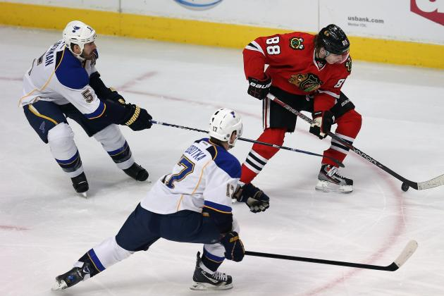 Blackhawks Put More Pressure on Blues