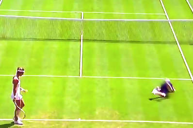 Wimbledon Ball Boy Takes a Dive