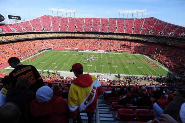 Chiefs to Give Season-Ticket Holders Free Bags