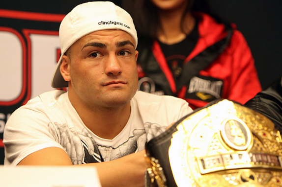 Eddie Alvarez to Be Tied Down by Bellator Lawsuit Long into 2014