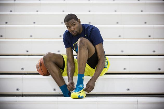 Kevin Durant Finally Steps Out in Hot New KD VI Nike Sneakers