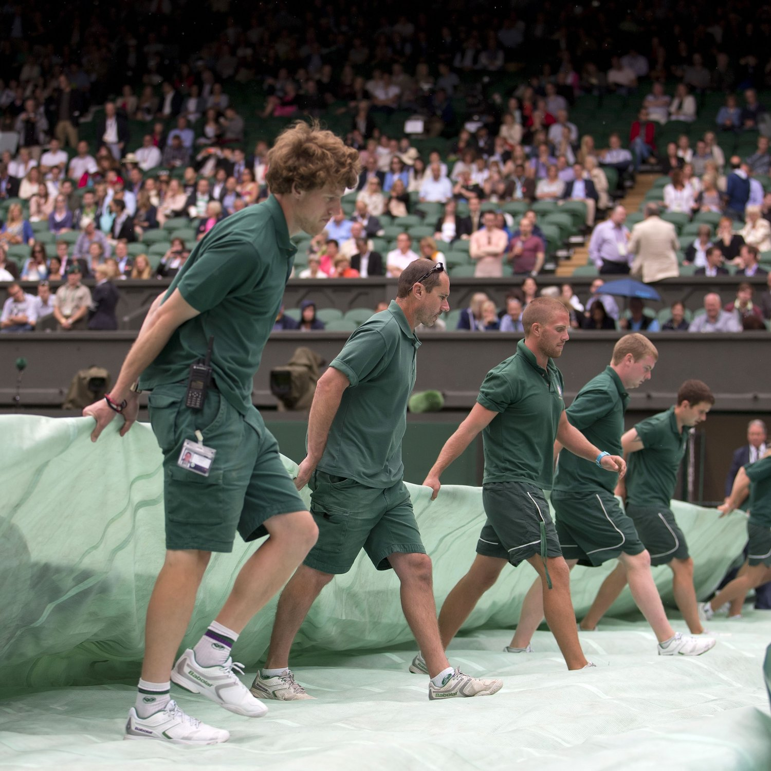 play suspended due to rain on outside courts at wimbledon. Black Bedroom Furniture Sets. Home Design Ideas