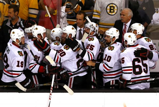 Blackhawks parade attracts thousands in Chicago