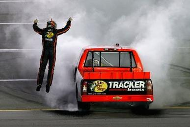 Ty Dillon Passes Kyle Busch Late for NASCAR Truck Series Win at Kentucky