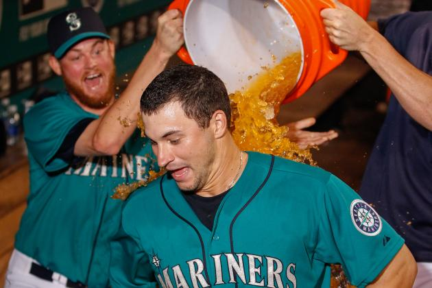 Zunino's Hit Lifts Mariners over Cubs in 10th