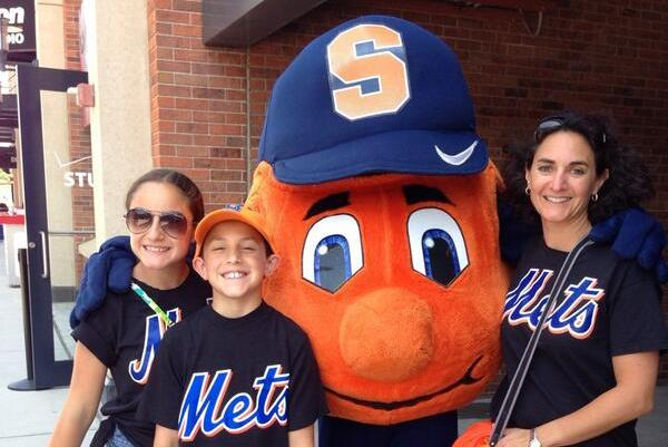 Photos: Otto the Orange, Syracuse Fans Invade Citi Field for Mets Game