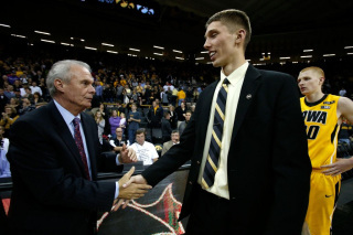 Jarrod Uthoff Finally Set to Begin College Basketball Career at Iowa